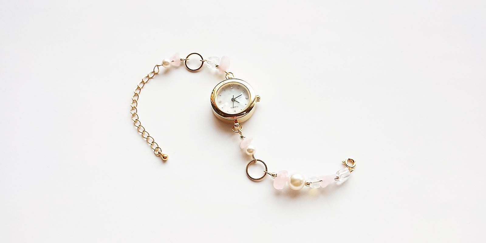 ピンク天然石とパールの腕時計